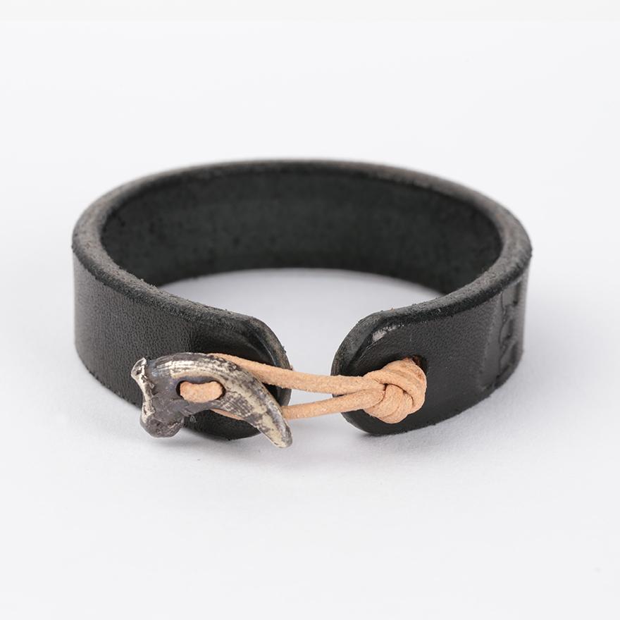 Wolf Claw Bracelet_Sterling Silver - Black