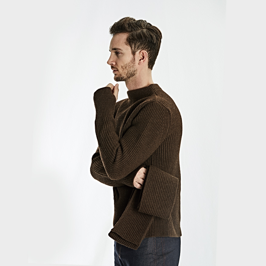 Navy Crewneck - Natural Brown