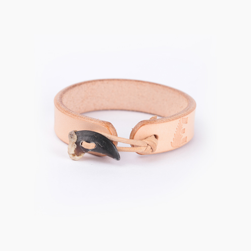 Wolf Claw Bracelet - Natural
