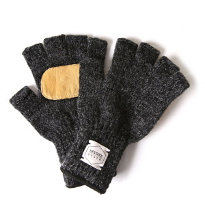 Fingerless Wool Glove with Natural Deer - Black