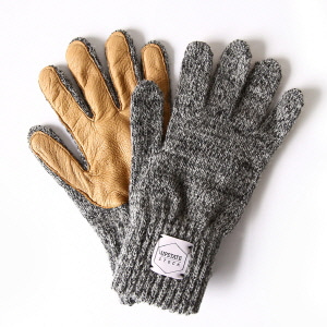 Wool Glove with Natural Deer - Charcoal